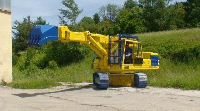Экскаваторы планировщики UDS 211 на гусеничном ходу